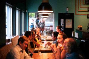 5 afslappende date ideer som i kan lave sammen på daten