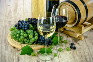 Hvilken vin passer til maden? Tips til at finde den rigtige vin